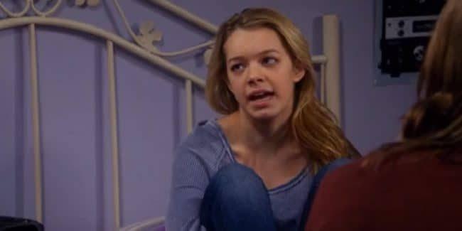 Sadie Calvano returns as Violet on Mom