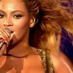Beyonce sings Say My Name live for a special audience