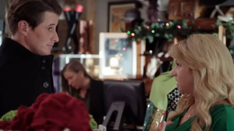 Brendan Fehr and Jodie Sweetin as John and Candace in Entertaining Christmas