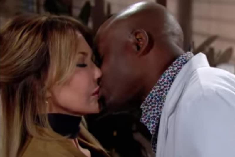 Reece kissing Taylro on The Bold and the Beautiful