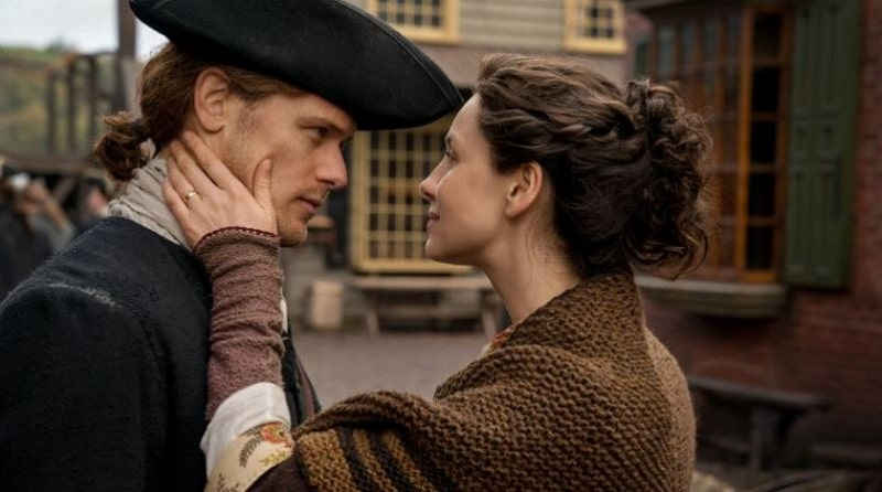 Jamie Fraser (Sam Heughen) and Claire Fraser (Caitriona Balfe) in the Americas in Season 4 of OUtlander