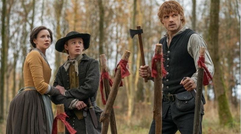 Claire Fraser (Caitriona Balfe, Young Ian Fraser (John Bell) and Jamie Fraser (Sam Heguen) in Season 4 of Outlander