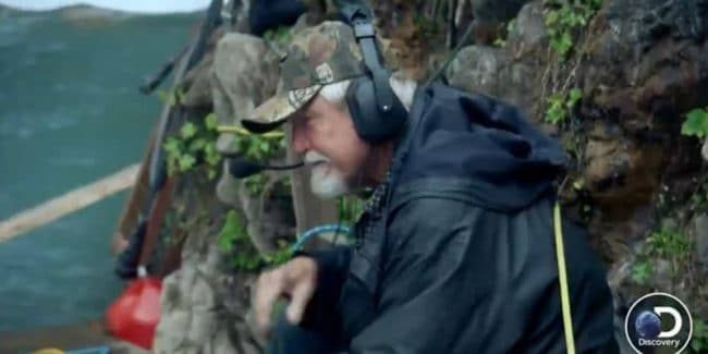 Gold Rush: White Water sees Fred managing Carlos and Rich's dangerous dive