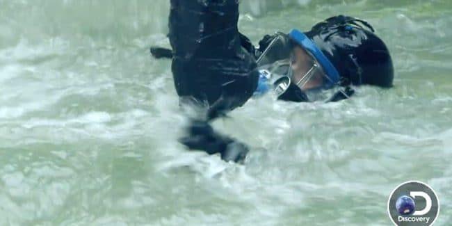 Carlos Minor underwater on Gold Rush: White Water
