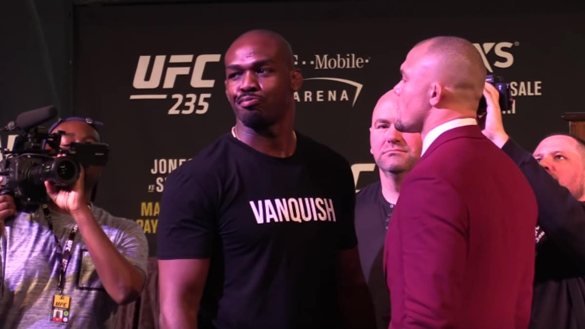 Jon Jones Anthony Smith face off
