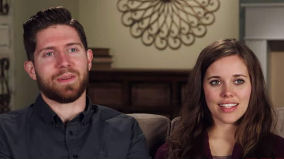 Ben and Jessa Seewald in a Counting On confessional
