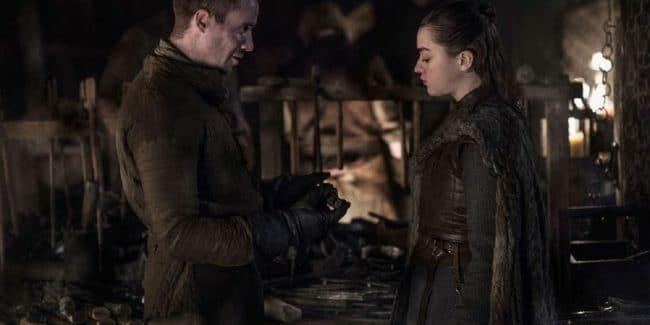 Maisie Williams and Joe Dempsie in Game of Thrones