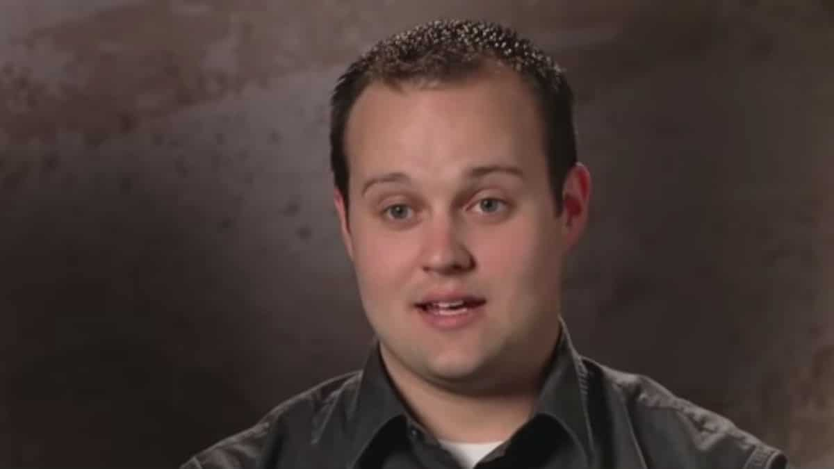Josh Duggar in a 19 Kids and Counting confessional