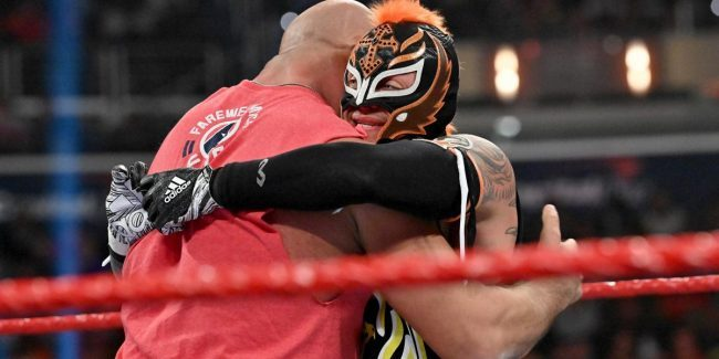 Rey Mysterio injured heading into WrestleMania 35 title match