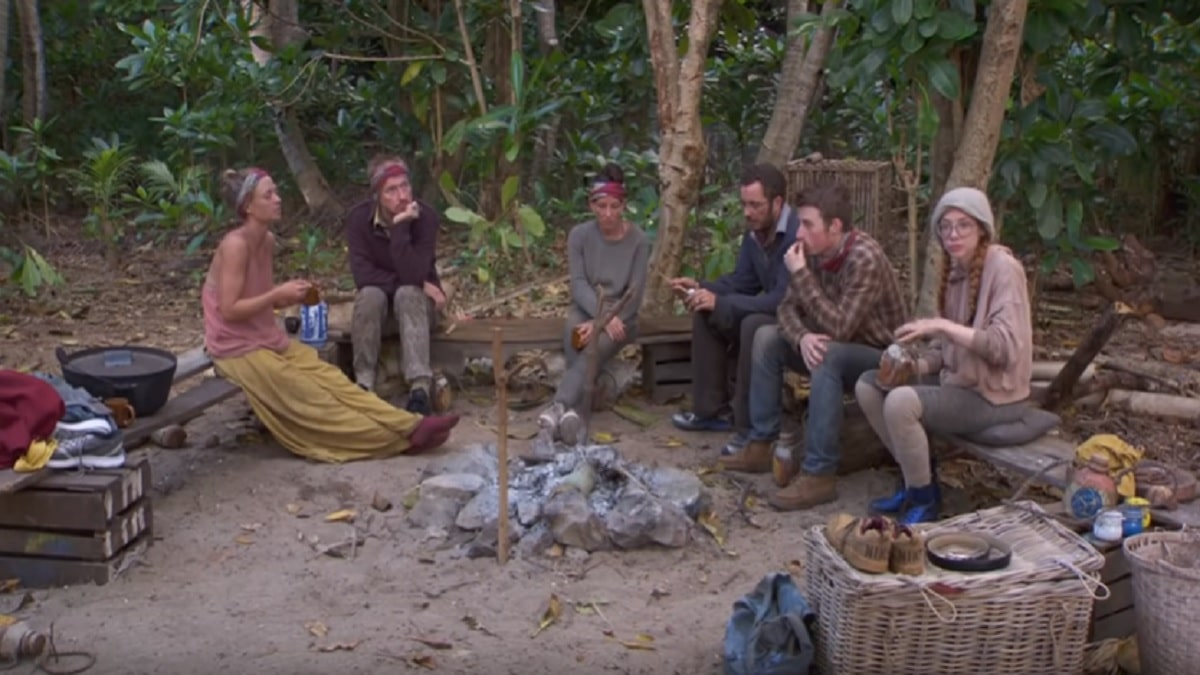 Survivor cast during episode 11 of Season 28.
