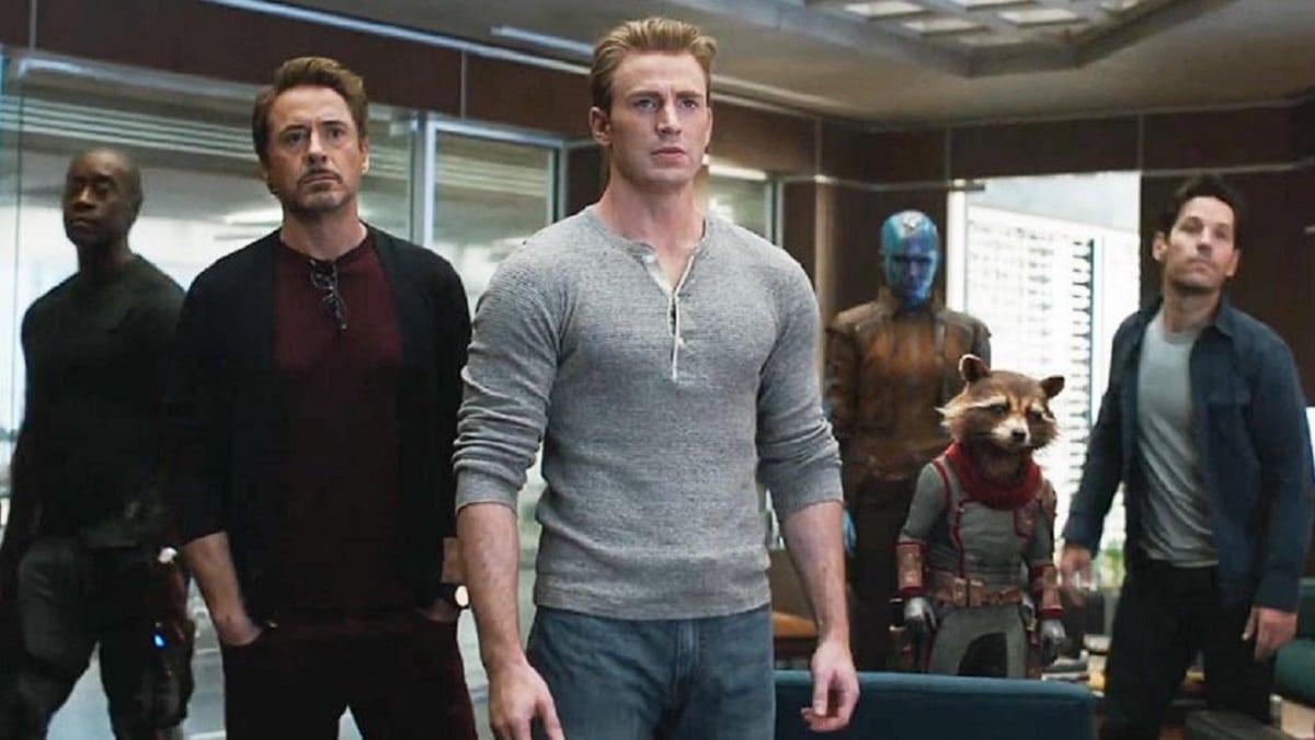 Chris Evans (Steve Rogers), Robert Downey Jr. (Tony Stark), Don Cheadle (James Rhodes) and Rocket in Avengers: Endgame
