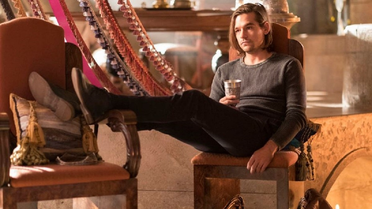 Jason Ralph in The Magicians