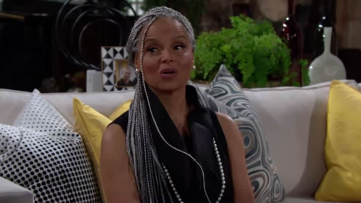 Victoria Rowell on The Young and the Restless set.