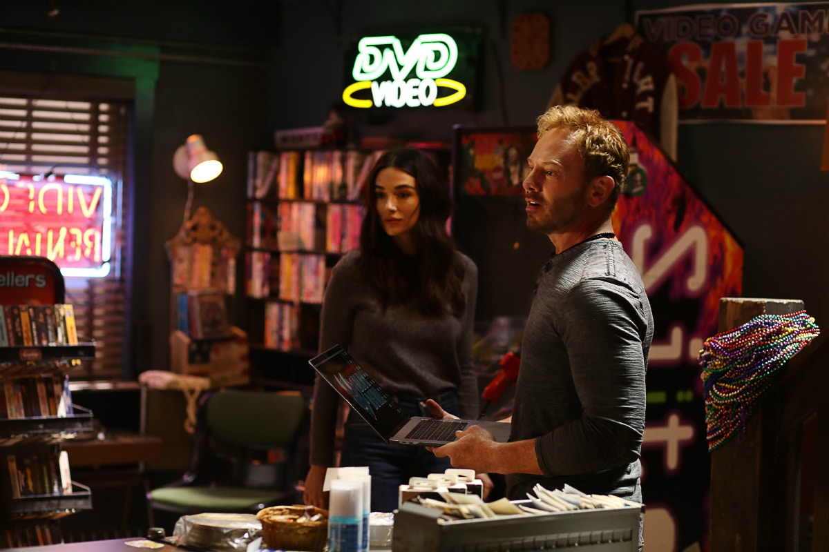 Crystal Reed and Ian Ziering in Swamp Thing