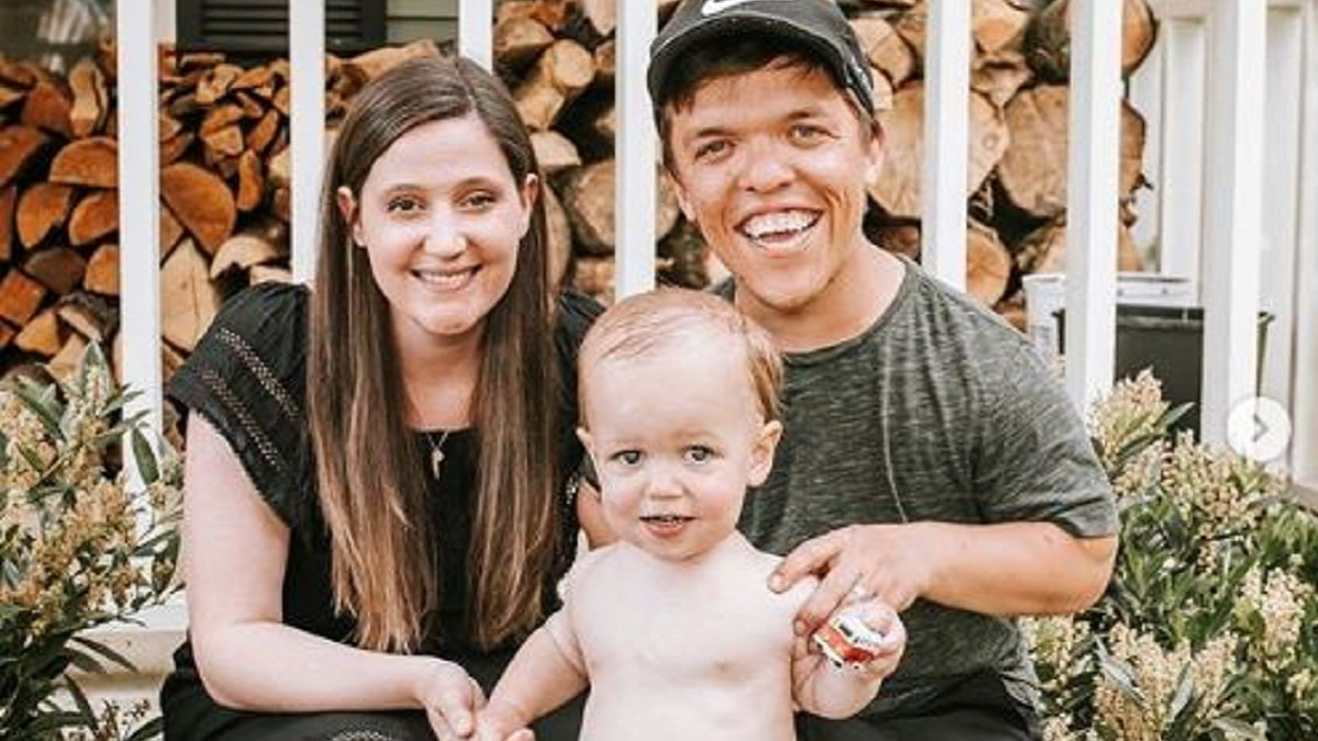 Zach and Tori Roloff family