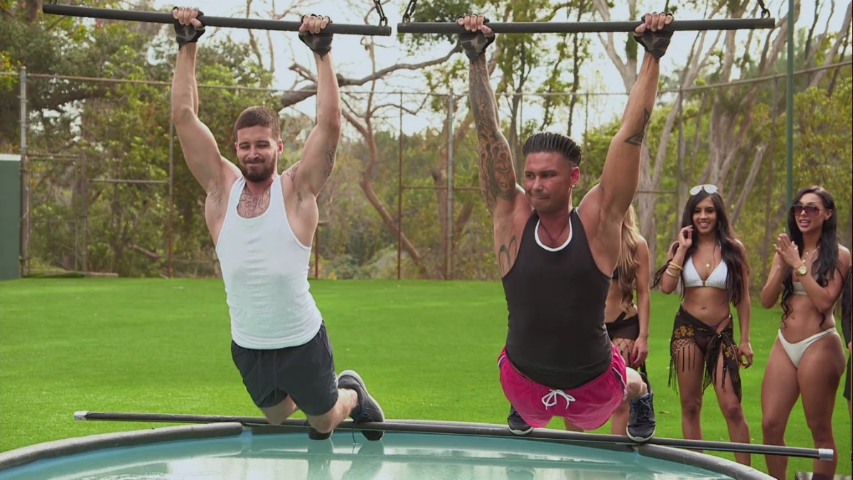 Vinny and Pauly D stretch it out over a pool of hair gel