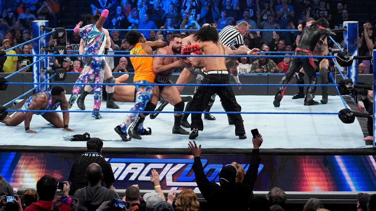 WWE superstars battle on SmackDown Live