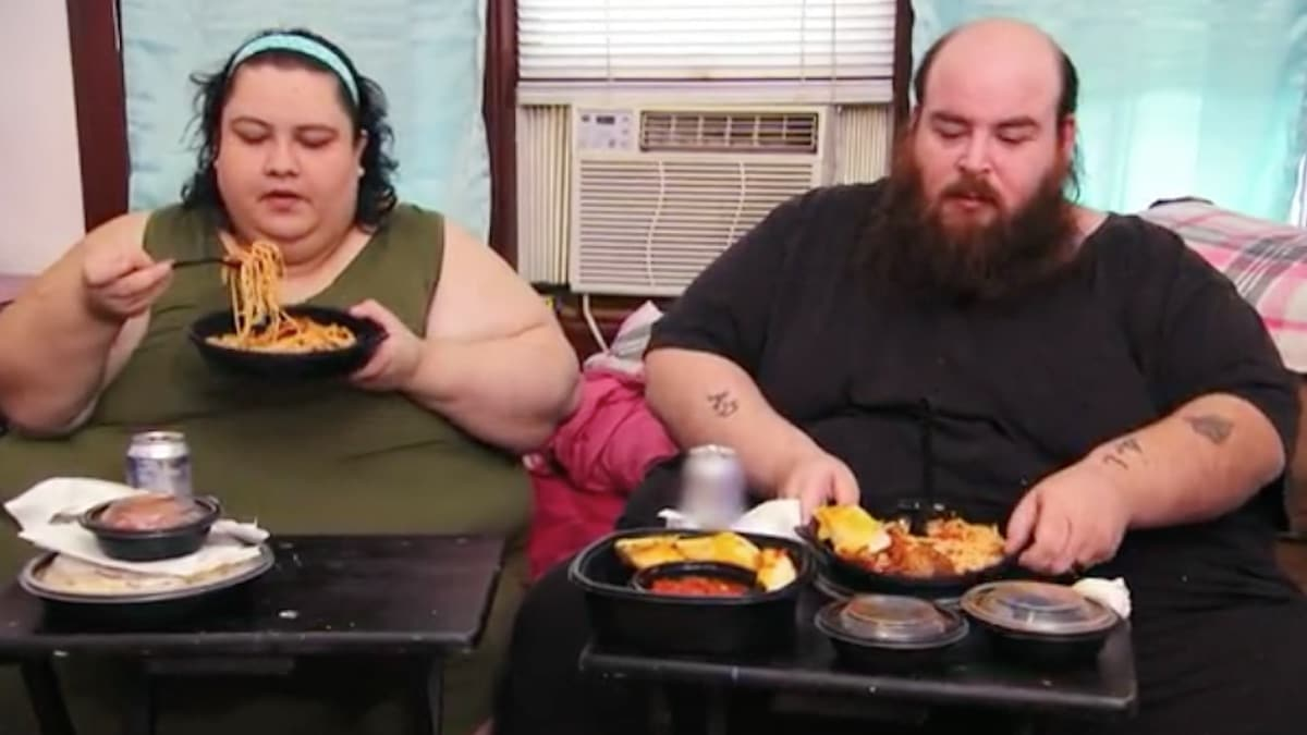 Vianey and Allen share a meal on My 600-lb Life