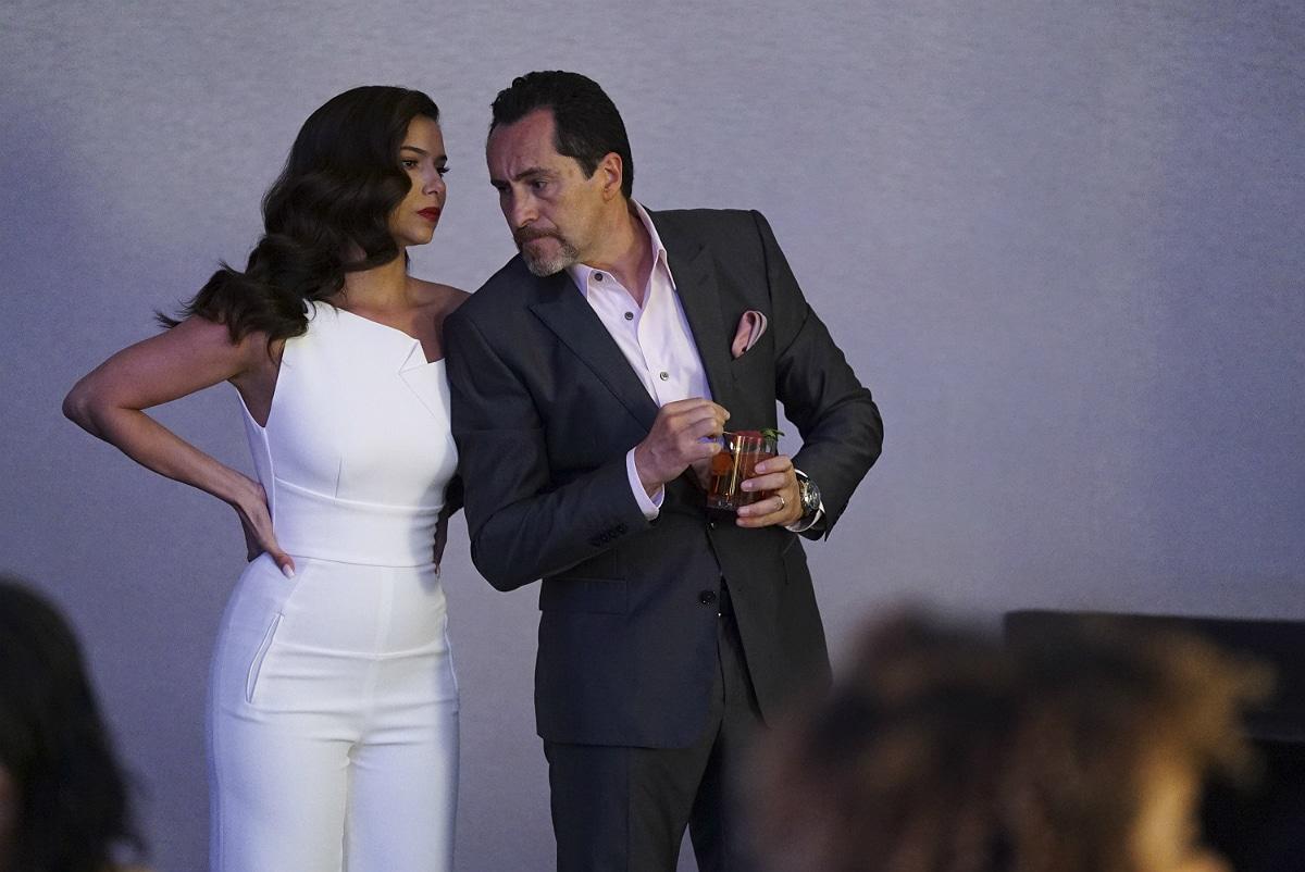 Roseyln Sanchez (Gig) and Demián Bichir (Santiago) on Grand Hotel