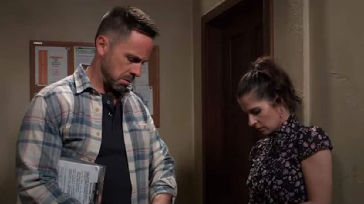 William deVry and Kelly Monaco as Julian and Sam on General Hospital.