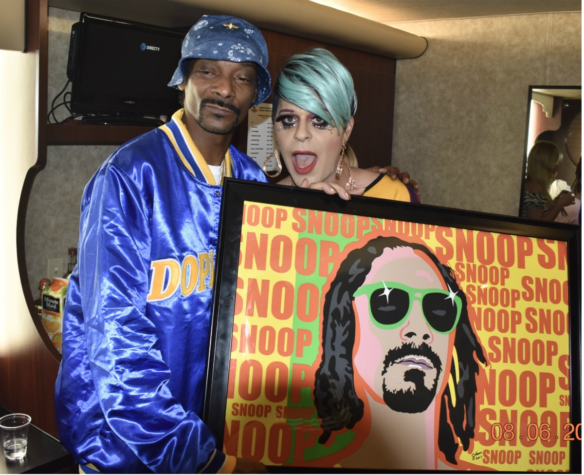 Sham presents Snoop with original artwork
