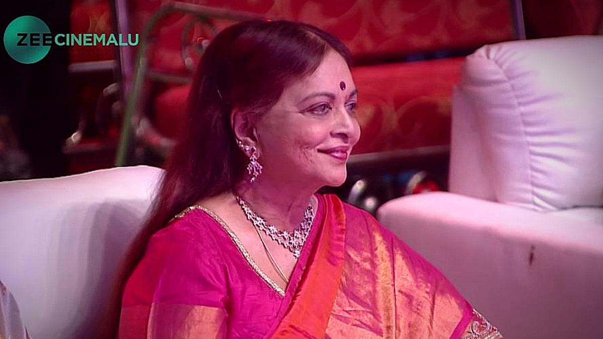 Legendary Director Award goes to Vijaya Nirmala seen here in a still from the televised Zee Apsara Awards in 2016. Pic credit: YouTube/Zee Cinemalu