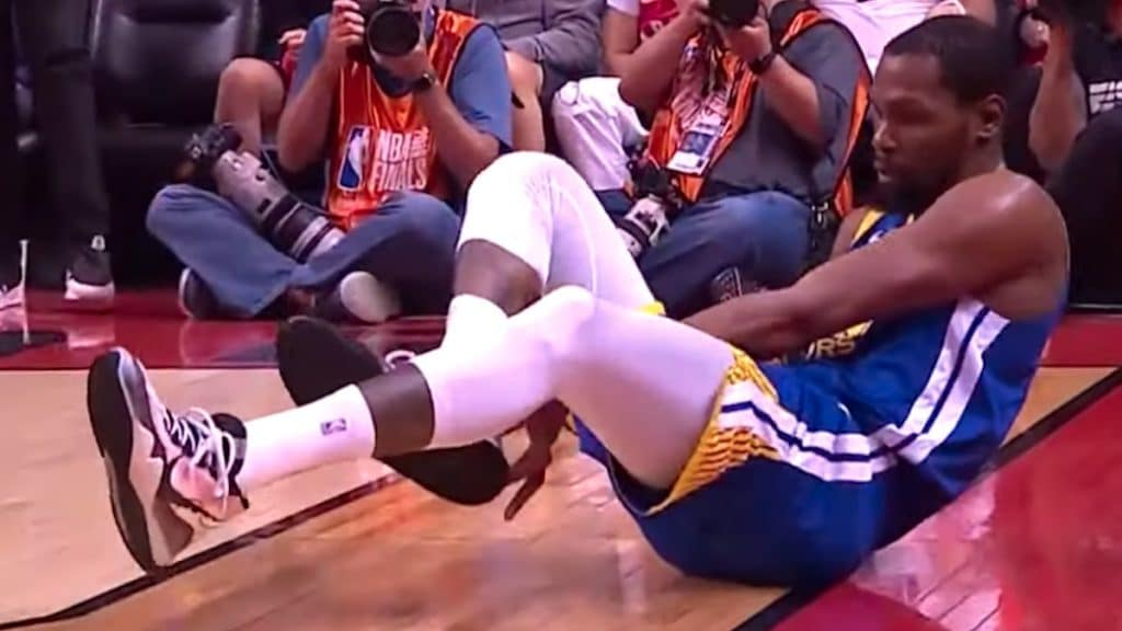 warriors star kevin durant suffers game 5 injury at nba finals