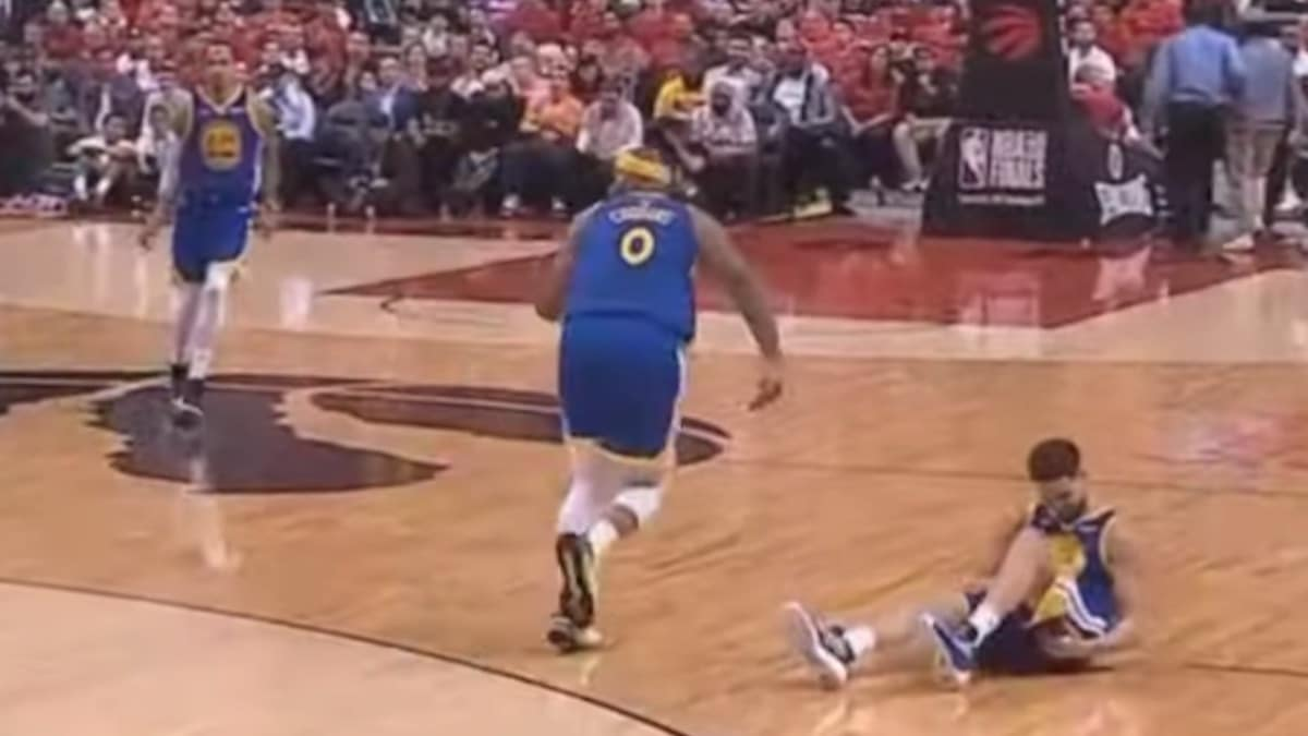 klay thompson injury during fourth quarter of nba finals game 2
