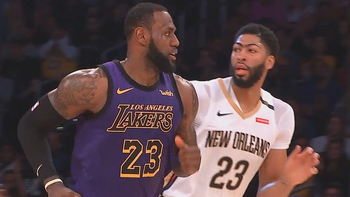 lebron james and anthony davis on court together