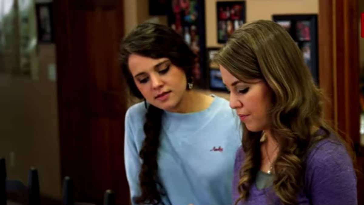 Jinger and Jana in a scene from Jill & Jessa: Counting On.