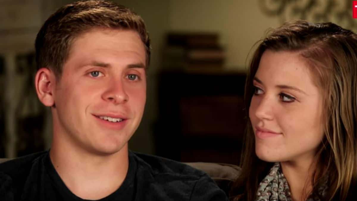 Austin Forsyth and Joy-Anna Duggar in a Counting On confessional.