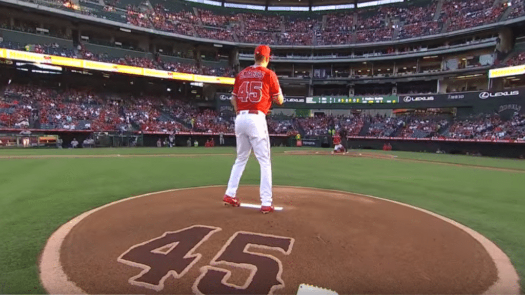 Tyler Skaggs' mom throws first pitch during Angels ceremony for deceased pitcher