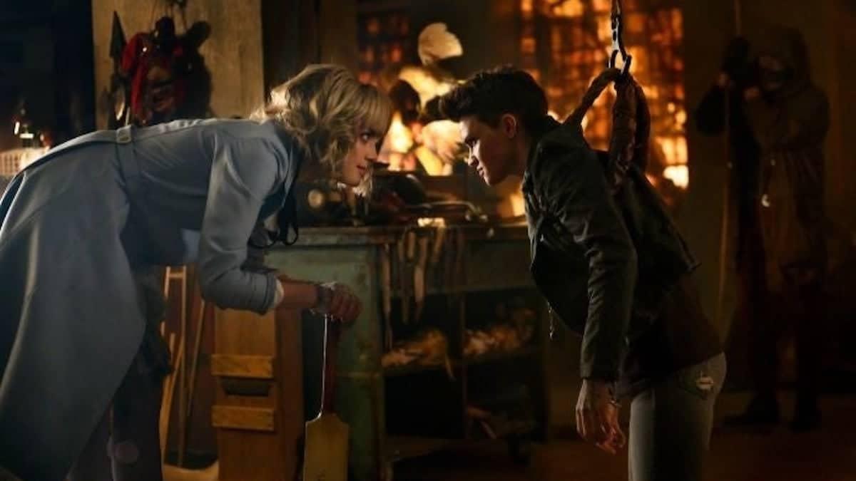 Rachel Skarsten as Alice and Ruby Rose as Kate Kane in Batwoman.