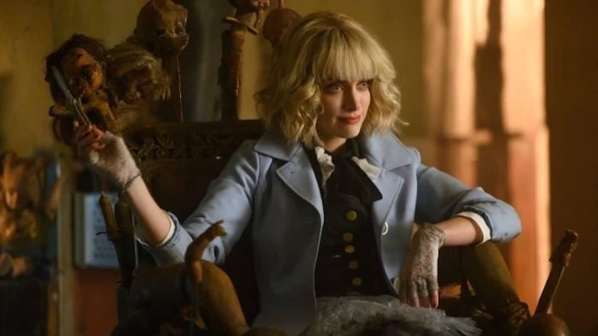 Rachel Skarsten as Alice in Batwoman.