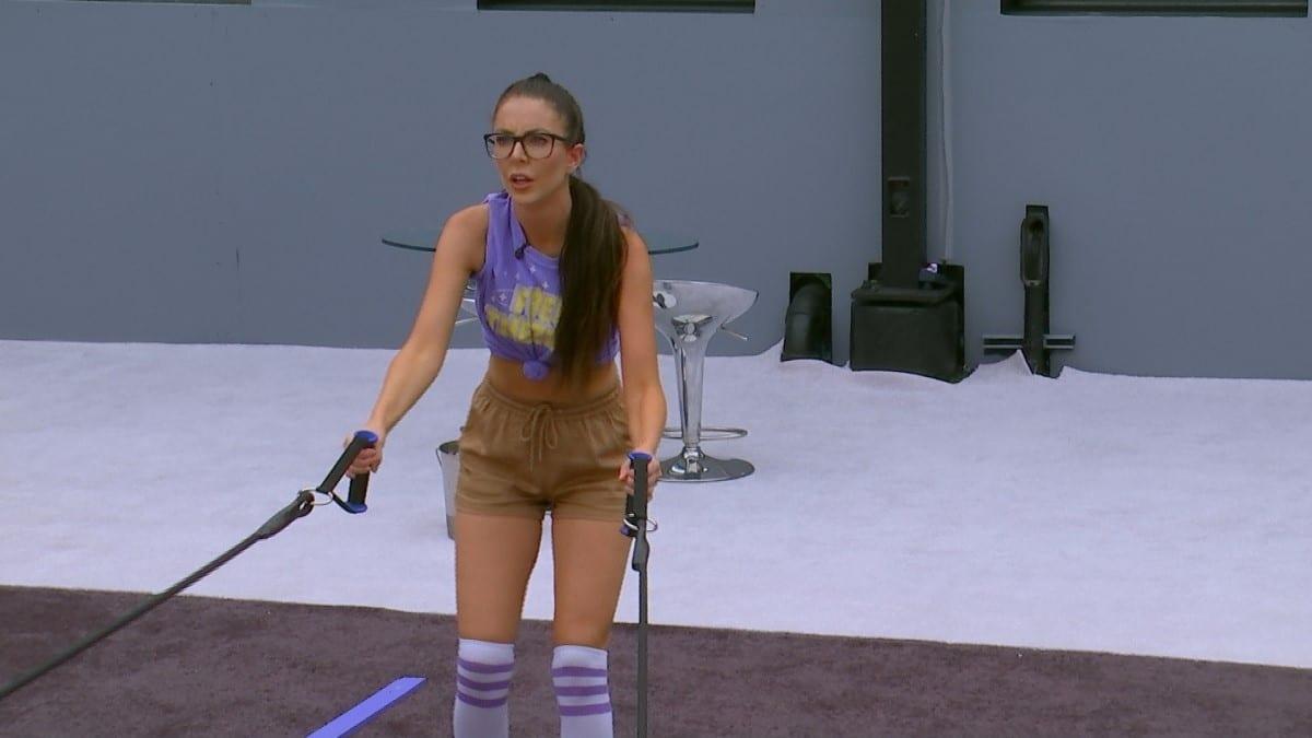 Holly Allen Battling In BB21
