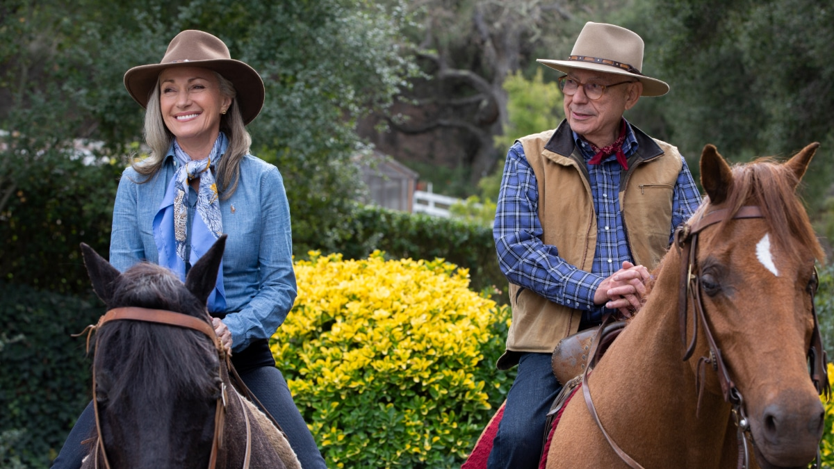 KOMINSKY jne - The Kominsky Method Season 2 features Paul Reiser, Jane Seymour in Netflix award-winning series