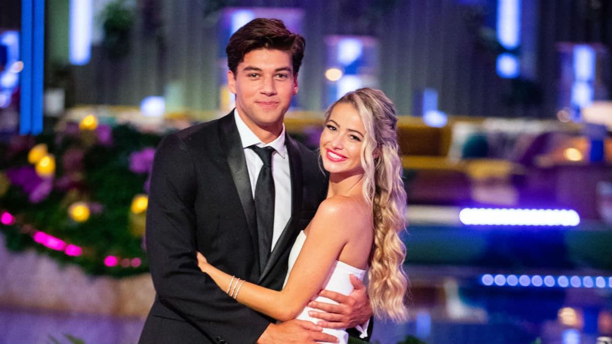 Love Island USA 2019 winners Zac and Elizabeth are still a couple.
