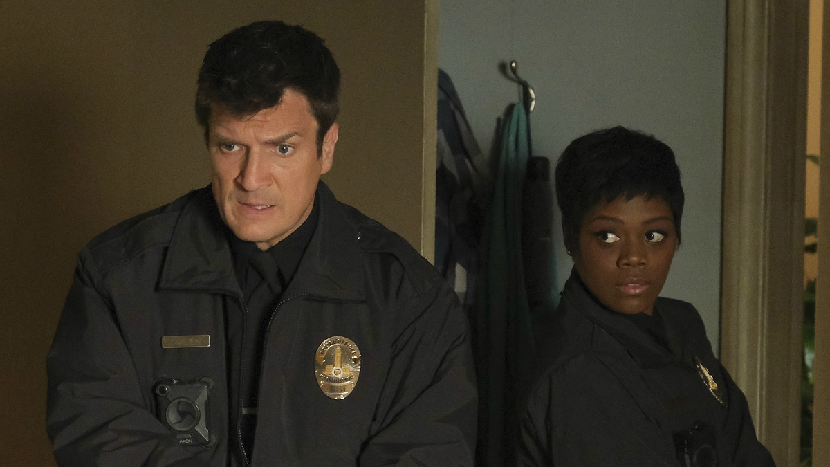 Nathan Fillion and Afton Williamson in a scene from The Rookie.