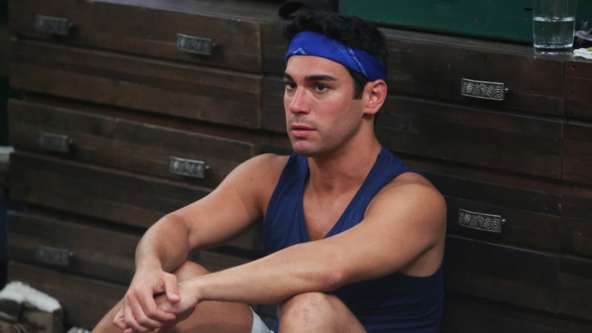 Tommy Sitting In BB21 House