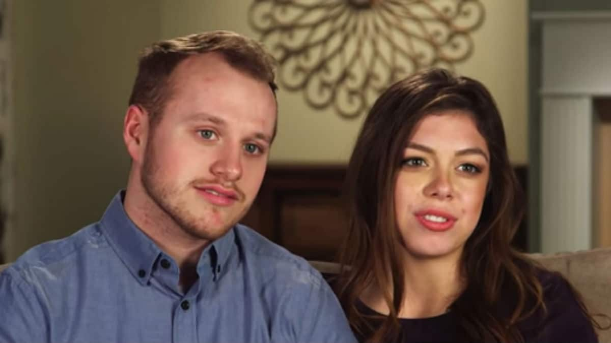 Josiah and Lauren Duggar during a Counting On confessional.