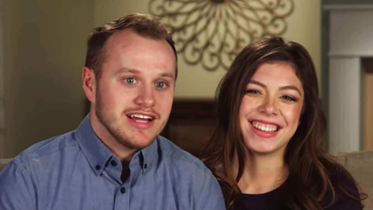Lauren Swanson and Josiah Duggar in a Counting On confessional.