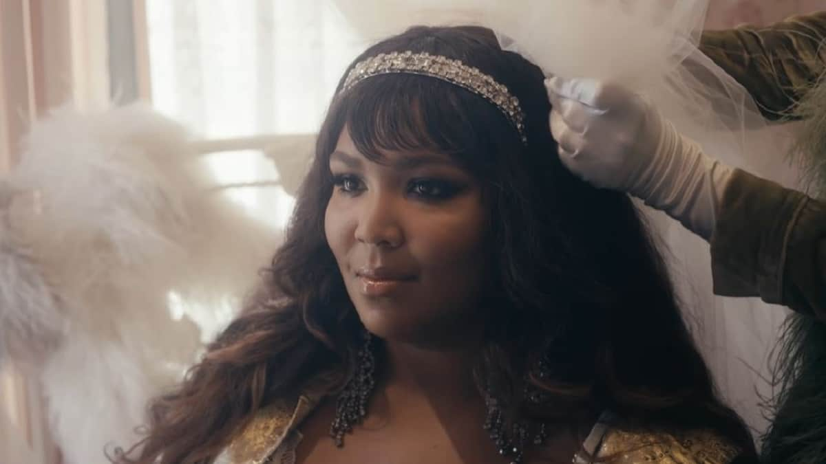 Lizzo in Truth Hurts music video