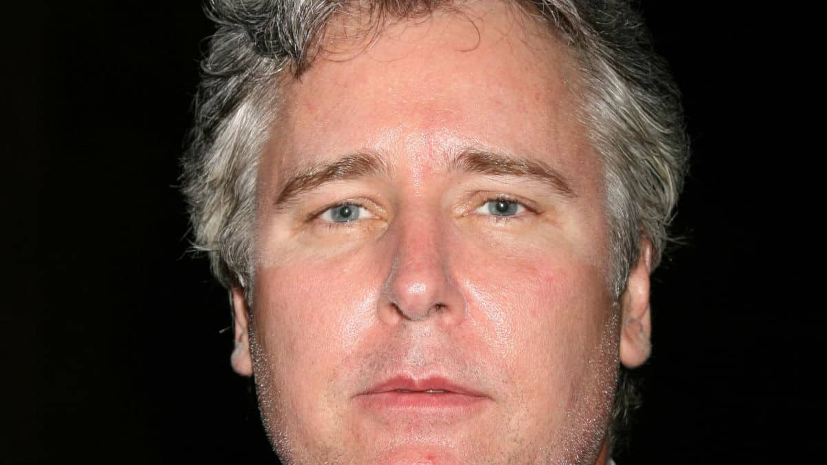 Michael E. Knight plays Martin Gray on General Hospital.