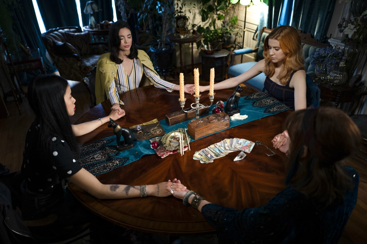 Nancy Drew and friends at a seance