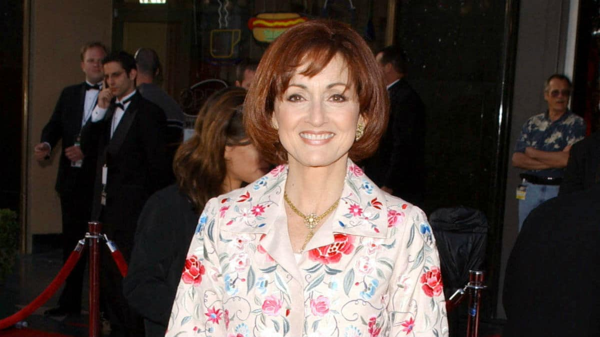 Robin Strasser at a red carpet event.
