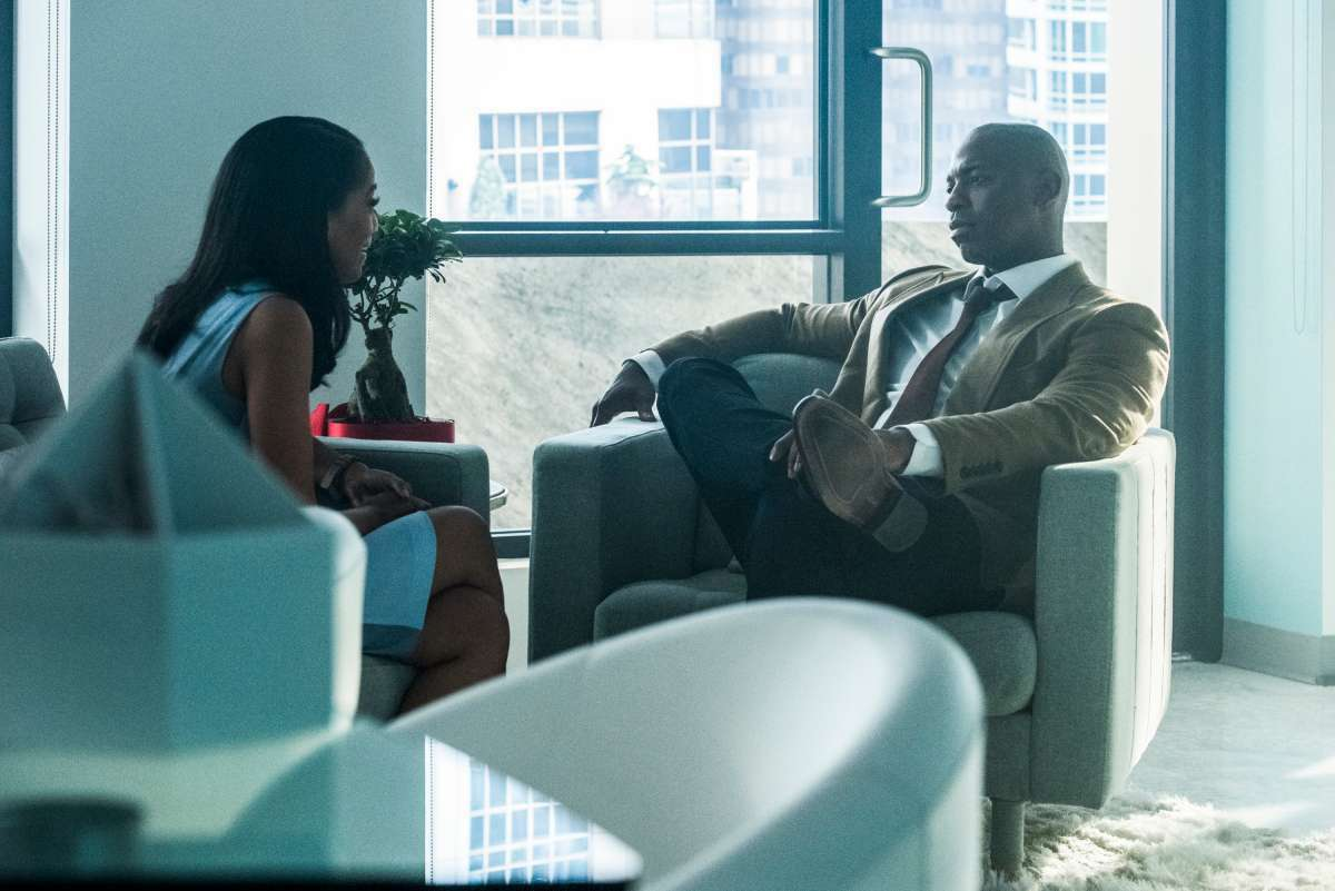 Azie Tesfai as Kelly Olsen and Mehcad Brooks as James Olsen on Supergirl