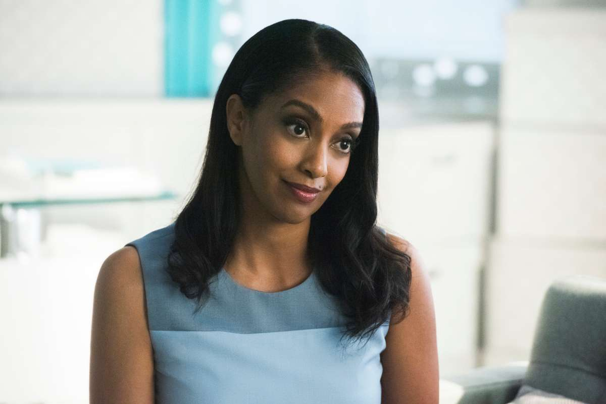 Azie Tesfai as Kelly Olsen pn Supergirl