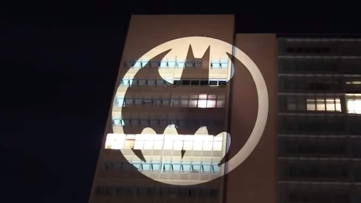 bat signal shines in berlin for 2019 batman day