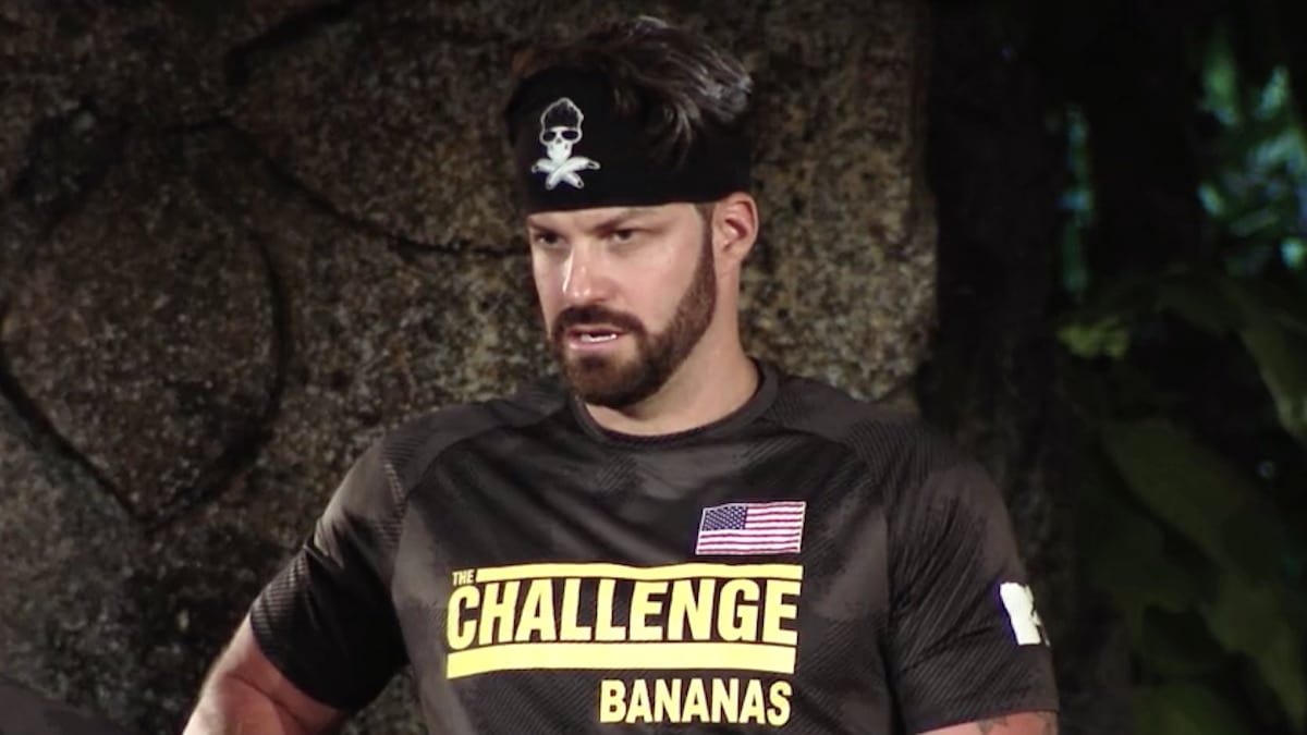 johnny bananas watches an epic elimination on the challenge war of the worlds 2