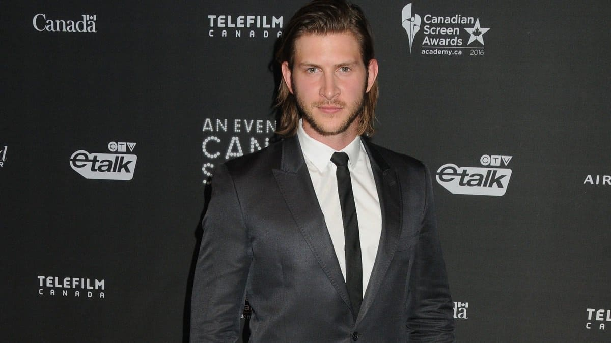 Actor Greyston Holt